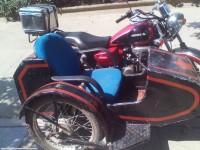 哈哈,自行改造的三轮摩托车